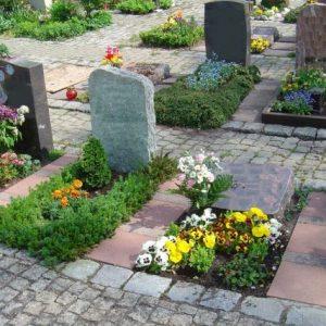Urnengrab ohne Einfassung